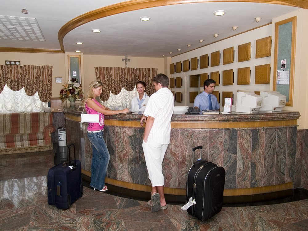 Canifor Hotel Malta Superior Room