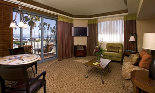 Luxury Ocean View Suite King Bed